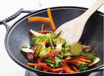 炒菜习惯不对致癌几率大